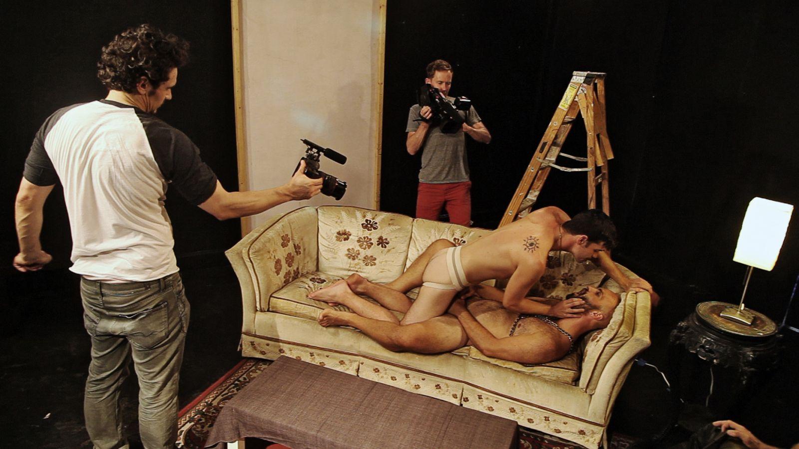 schwule pornodarsteller gangbang film